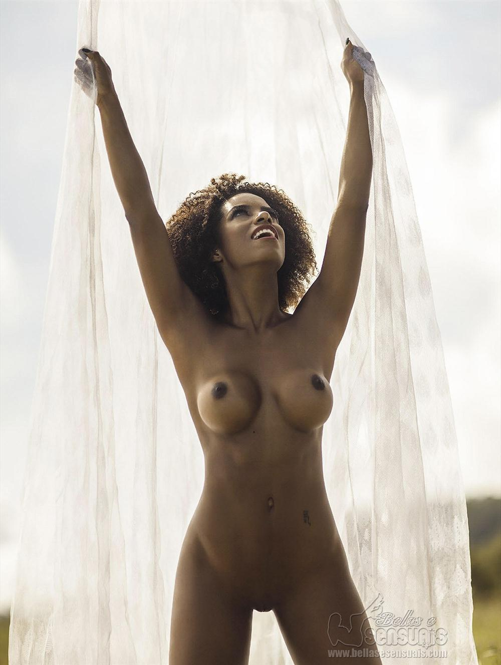 Ivi Pizzott - Playboy (23)